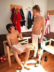 Nude gay teen football boys, Added: 2011-09-19 by AlexBoys