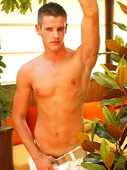 Val Feretti pinup scene, Added: 2012-02-14 by Bel Ami Online