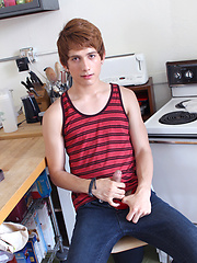 Giovanni goes ginger for this amateur gay porn solo!, Added: 2013-01-03 by Dirty Boy Video