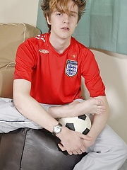 Smooth twink Ewan jerks off on his soccer ball., Added: 2014-08-22 by BF Collection