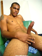 Julio jacking off, Added: 2014-08-22 by Miami Boyz